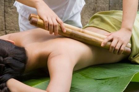 Bambuszmasszázs